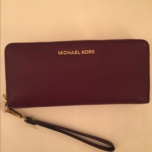 Michael Kors wallet and wristlet